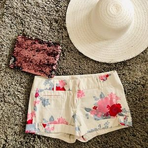 Classic Cuffed Floral Shorts